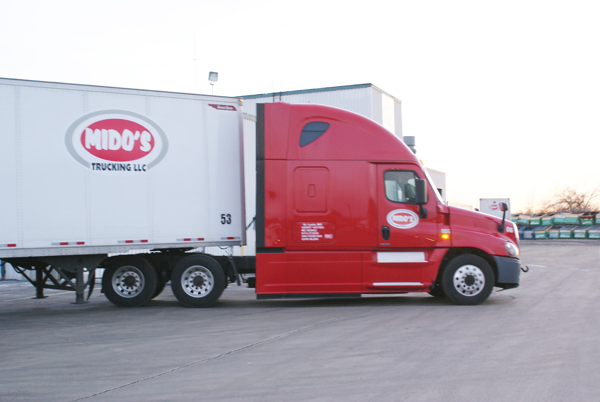 Truck and Trailer Parking – Mido's Trucking